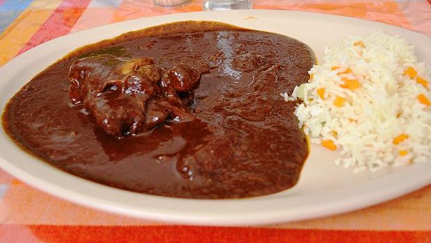 how to cook with mole paste