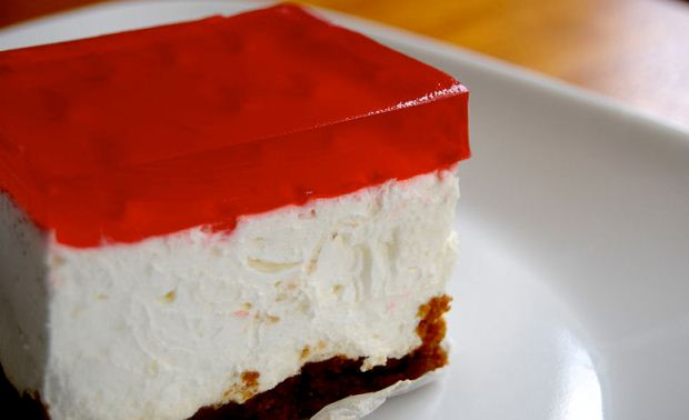 How to Make Jell-O Cheesecake Squares