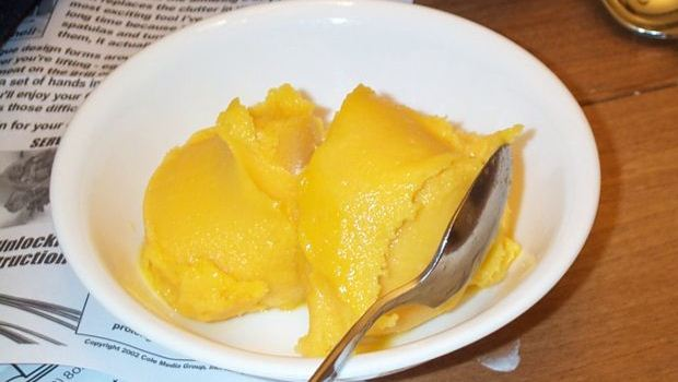 How to Make Mango Sorbet With Thai Sweet Chili Topping