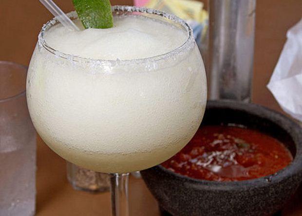How to Make Cucumber Margarita