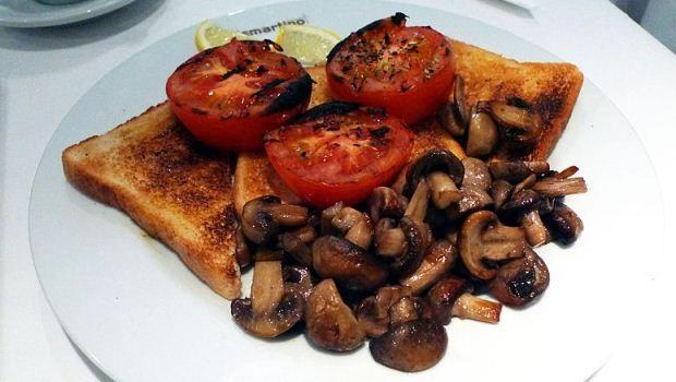 How to Make Mushroom Toasts